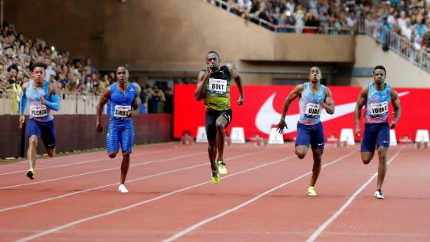 Usain Bolt powers to victory in the men's 100m at the Monaco Diamond League.