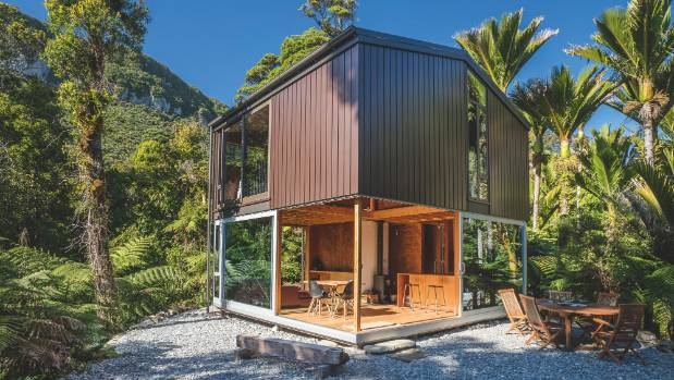 Punakaiki bach in the bush wins major master builders for Bush house designs