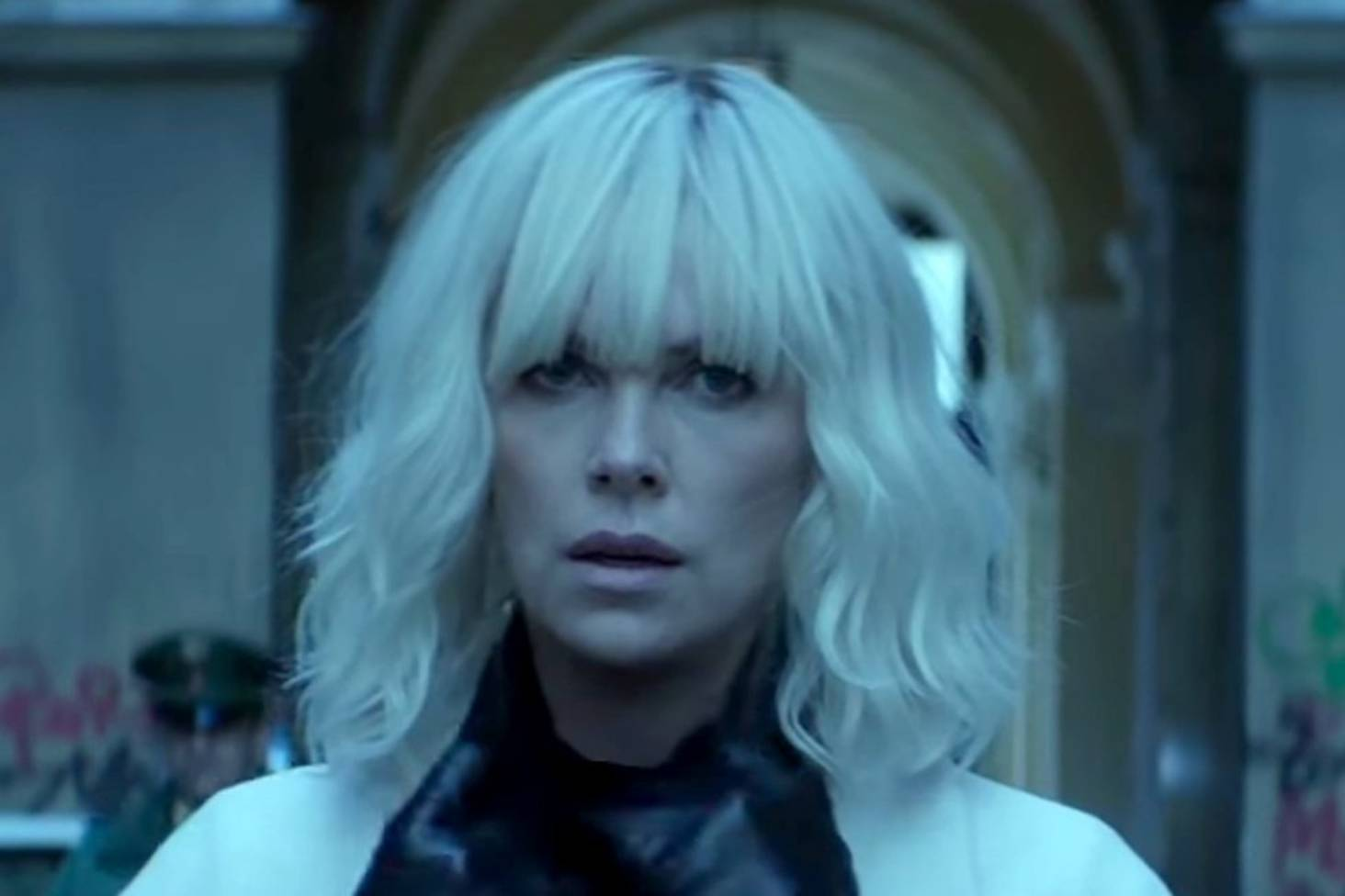 Atomic Blonde's Charlize Theron plays a leather-clad sexual tigress who  pulls no punches | Stuff.co.nz