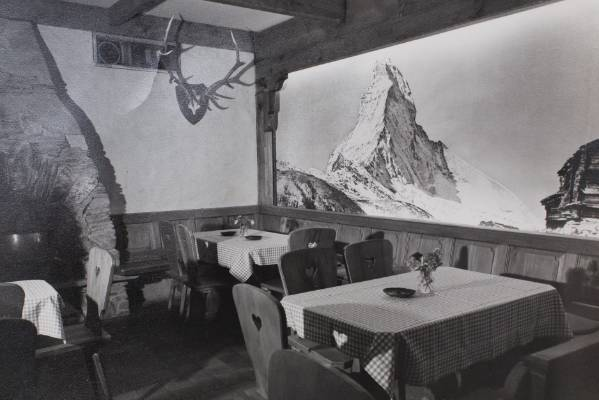 There was a famous large print of the restaurant's namesake mountain back home.