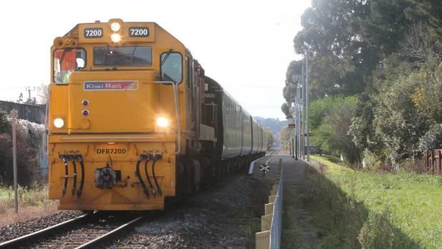 Power cut halts Wellington trains
