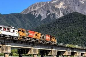 TranzAlpine--Waimakariri-Bridge--Beneath-the-Bridge FFX-travel