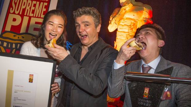 2017 NZ Bakels Supreme Pie Awards winner Lee Ing and Linna Tuy of Fast and Fresh Bakery Taupo. With celebrity judge, ...