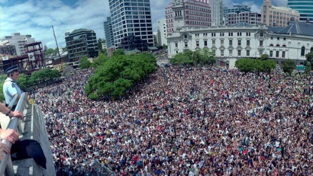Thousands of fans pack Aotea Square in downtown Auckland, to listen to a free concert by Canadian singer Alanis Morissette.