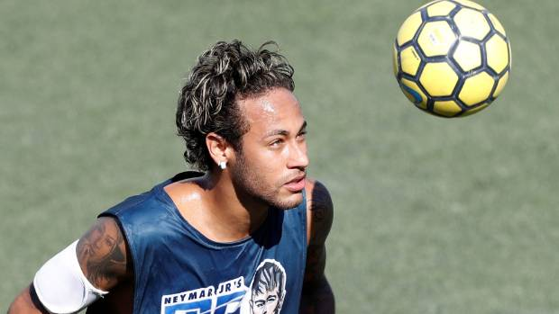Neymar makes flying visit to Porto for PSG medical