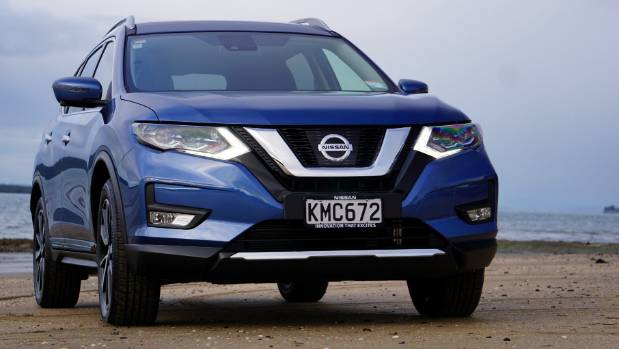 New V-shaped grille gives familiar X-Trail more of a Nissan-2017 look.
