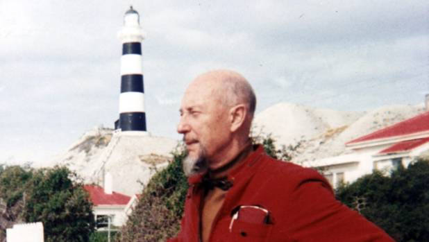 In 1968, Len Lye revisited the lighthouse and the 'rocky beach' at Cape Campbell on the South Island, which made a deep ...