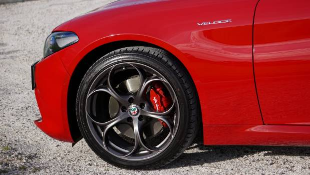 Veloce still gets serious performance-car stuff like mixed tyre sizes: 225/40 front and 225/35 rear.