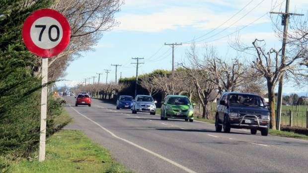 the effect of speed limits on Question: when a road's speed limit changes, let's say from 35mph up to 50mph, does the increased speed limit take effect once you can see the new sign or only.