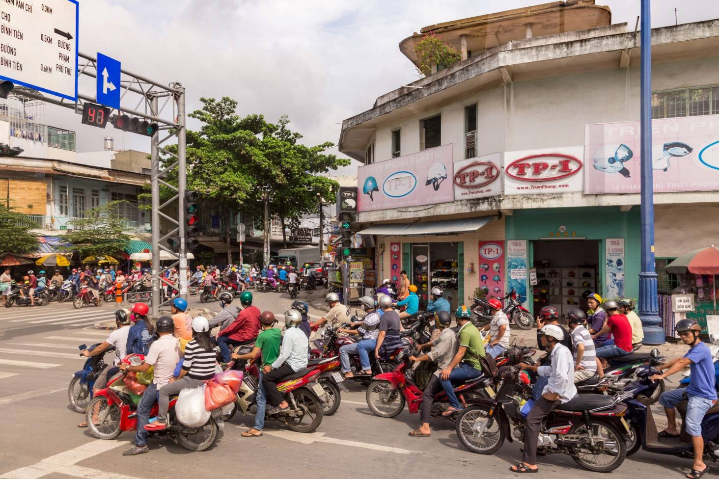 Riding Across Ho Chi Minh Vietnam Is A Hoot Of Scoot Hand Some Boy Scooter Wire Diagram