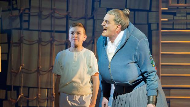 As a school principal Mrs Trunchbull bullies the pupils placed under her care.