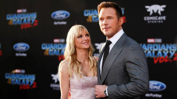 Kristen Bell helps us through Faris/Pratt split