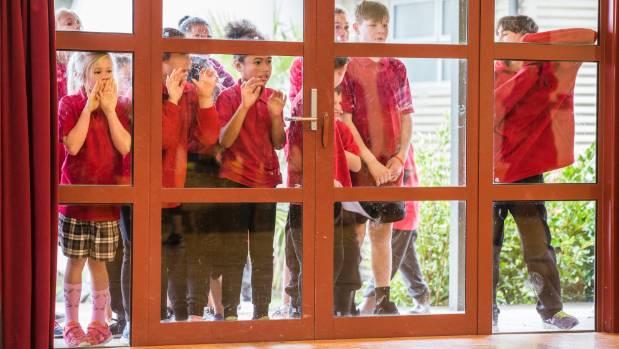 Redwoodtown School pupils keen to join the brushing fun with the Tasman Makos.