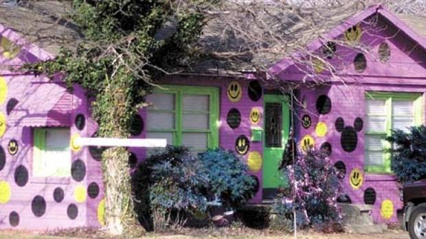 Happiness personified or a blot on the landscape? The landlord and tenants of this house in Lubbock, Texas painted it ...