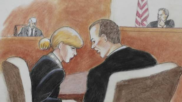 Taylor Swift'certain she was groped by DJ court hears