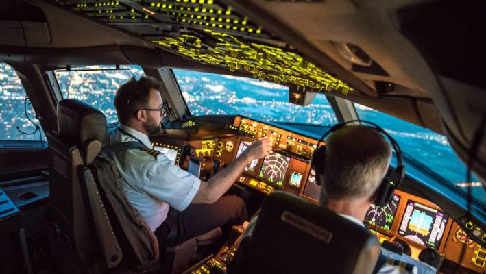 stale cockpit air may be dulling your airline pilot s performance