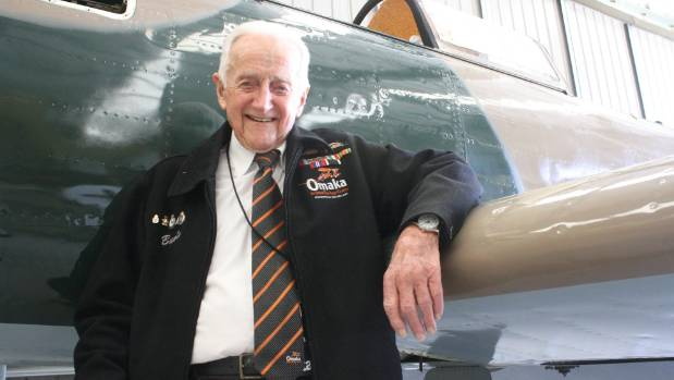 Harcourt 'Bunty' Bunt, who flew Spitfires during WWII, has died. (File photo)