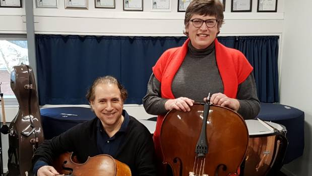Margaret van Altena  of New Plymouth and American composer and performer Aaron Minsky, aka Von Cello, have been touring  ...