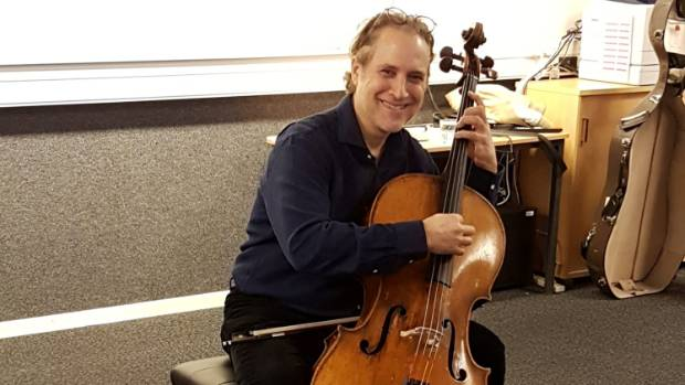 American composer and performer Aaron Minsky, aka Von Cello,   is to perform with the Taranaki Youth Orchestra the world ...