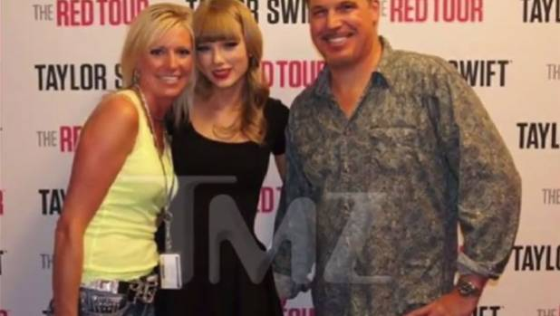 'DJ grabbed my bare ass,' Taylor Swift tells court