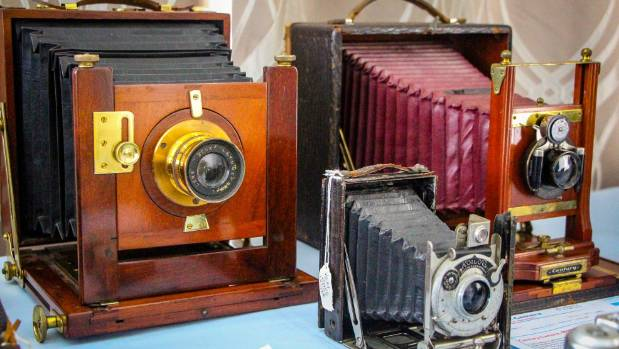 The Centuary Camera (back right) was made between 1908 - 1910.