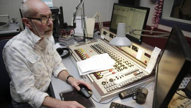 RNZ graveyard shift presenter Lloyd Scott makes his final broadcast after 52 years.