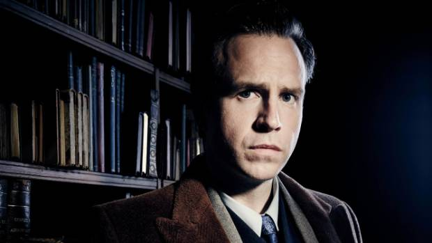 Rafe Spall plays the title role in the TV movie Harry Price: Ghost Hunter.