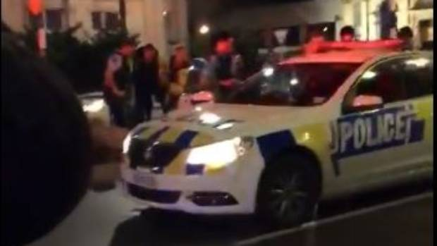 Police officer and dog injured as spiked car comes to halt in Invercargill's main street