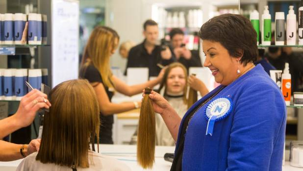 Paula Bennett thought 15-year-old Charlie Godwin chopping her hair for charity was an admirable move.