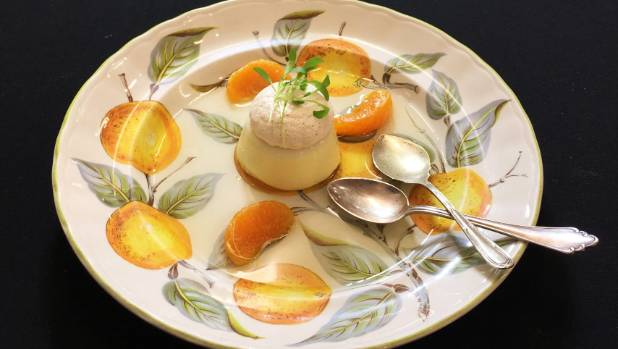 Photographing pannacotta with kaffir lime syrup, Never mind how it tastes, it's all about how it looks.