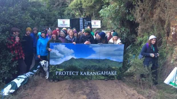 Protesters arrested after blocking access to mine in Karangahake