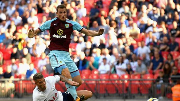 Burnley strike late to deny Tottenham victory at Wembley