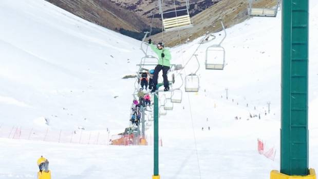 The Ohau Snow Fields chairlift was damaged and stopped working properly.