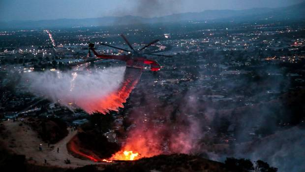 La Tuna Fire threatens home in Los Angeles County