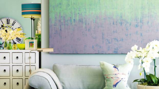 Hanging The Large Painting Low In This Living Room Helps To Create An Aesthetically Pleasing Flow