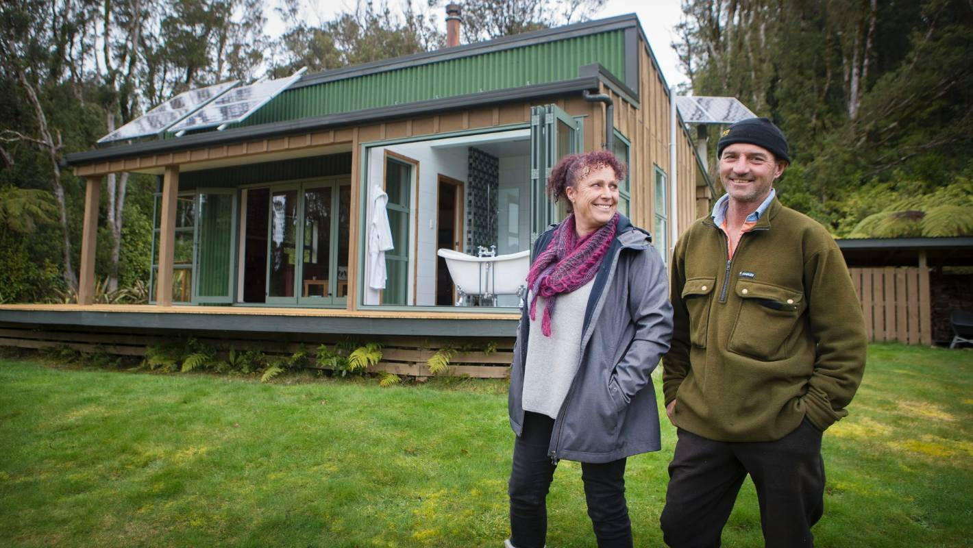 No Turning Back For Mountain Couple Living Off Grid