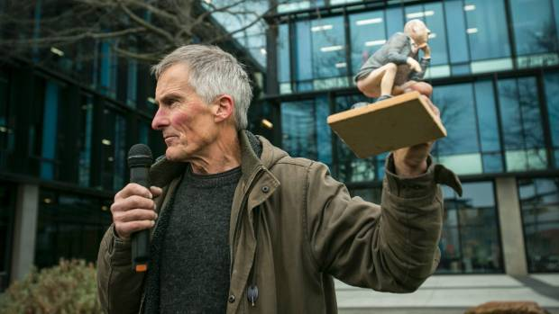 Artist Sam Mahon recently placed a large, lifelike sculpture of Environment Minister Dr Nick Smith outside ECan's ...