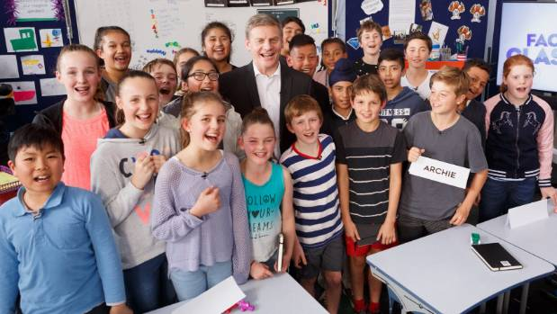 Prime Minister Bill English with school children in Face The Classroom.