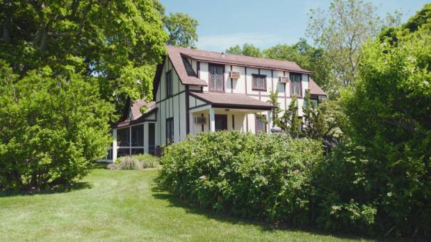The property also includes a historic four bedroom guest cottage. Could this home, which is dwarfed by its grand ...