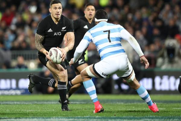 Sonny Bill Williams makes an attack.