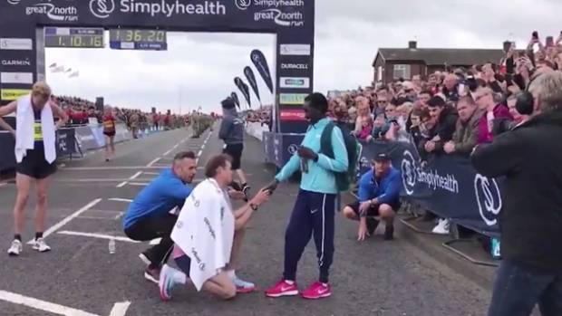 Mo Farah wins fourth Great North Run