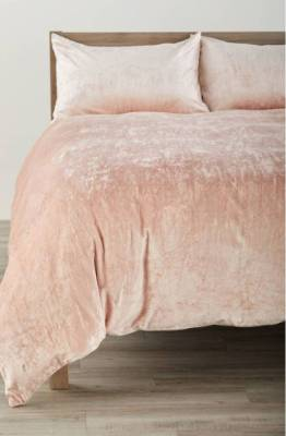 The colour pink and the texture of velvet are a winning combination. This opulent, shimmering duvet set is from ...