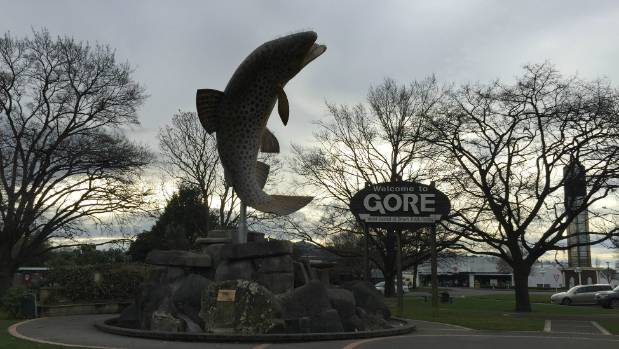 Gore welcome to the town sign and giant trout statue
