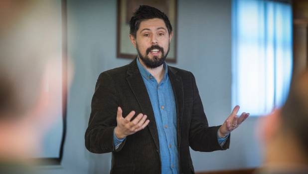 "Green Party MP Gareth Hughes announces plans for the new ""Taranaki Marine Energy Regional Research Institute at a union ..."
