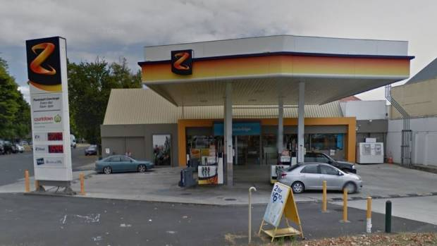 Z service station in Cambridge was robbed on Thursday.