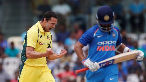 Manish Pandey gets out to Nathan Coulter-Nile in unexpected fashion
