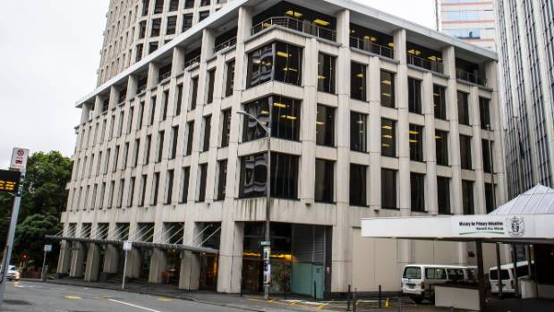 A suspicious suitcase left outside the Treasury in Wellington has been found to be full of clothes.