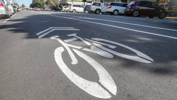 The Island Bay cycleway is a dangerous mess, says daily bike rider Graeme Tuckett.