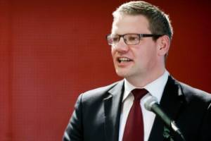 Labour candidate for Palmerston North Iain Lees-Galloway left a farmer meeting about irrigation tax early.