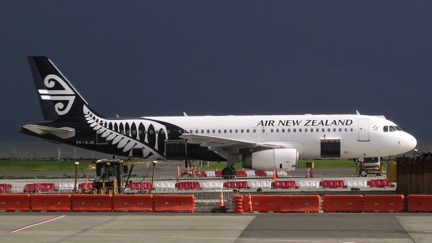 Teen deported after typing 'I have a bomb' into Air NZ messaging app